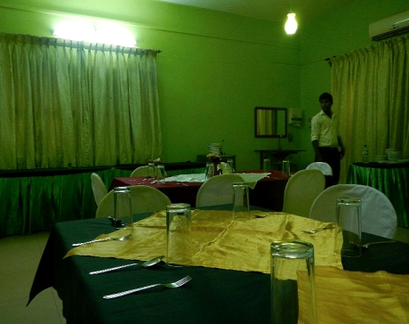 GREEN ROOM 3B